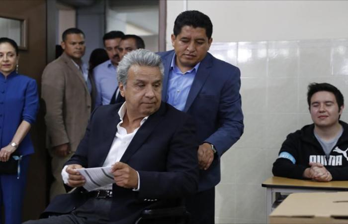 الإكوادوريون يرفضون الرئاسة لأكثر من ولايتين