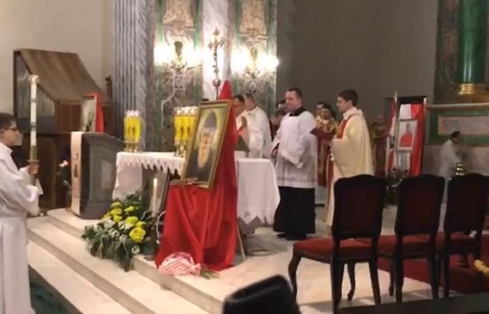 بالفيديو.. ذخائر القديس مارشربل في كييف