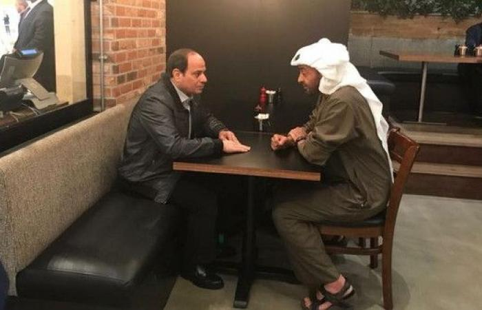 شاهد.. محمد بن زايد والسيسي في مطعم بأبوظبي