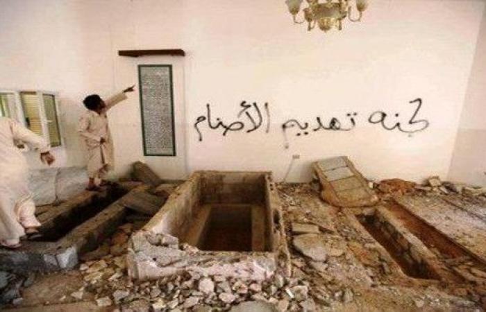 ليبيا.. مسلّحون يفجرّون ضريح والدة القذافي
