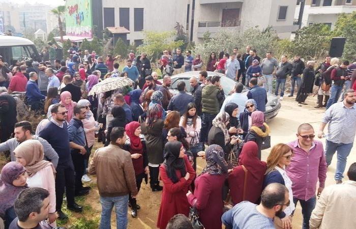 توقيف 5 أساتذة لبعض الوقت خلال اعتصام القصر الجمهوري