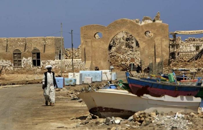 """بعد """"سواكن""""... البشير يعلن عن مشروع آخر في البحر الأحمر"""