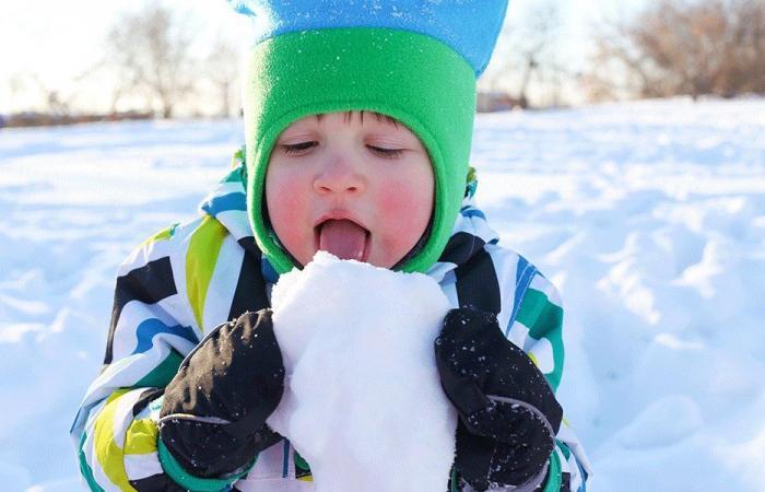 ما مدى سلامة أكل الثلج؟