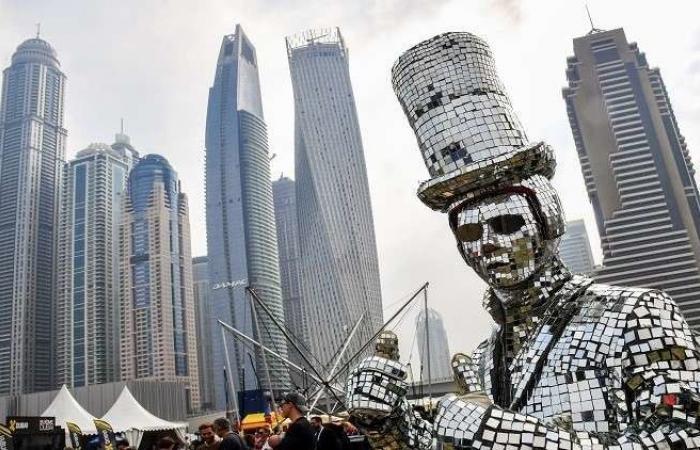 بالصور.. دبي تفتتح أطول فندق في العالم