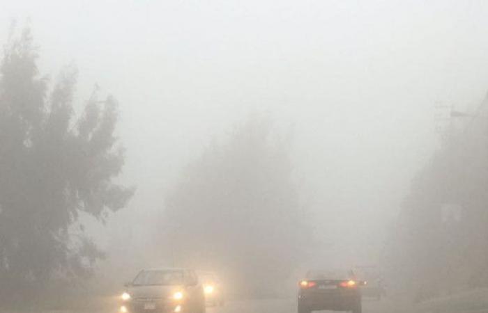 بالصور: ضباب وأمطار ورؤية سيئة في عكار.. وتحذير للسائقين