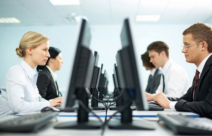 كيف يضيّع الموظف وقته في العمل؟