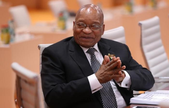 الحزب الحاكم بجنوب أفريقيا يقيل جاكوب زوما