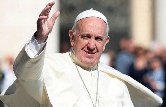 بالصورة… تصرف من البابا فرنسيس يثير ضجة!