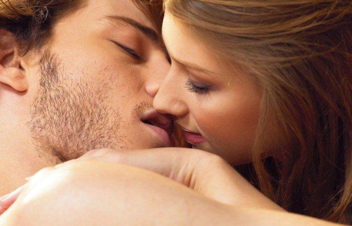أكثِروا التقبيل… فوائده كثيرة!