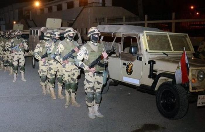 الجيش المصري يخصص أرقاماً هاتفية للإبلاغ عن الإرهابيين