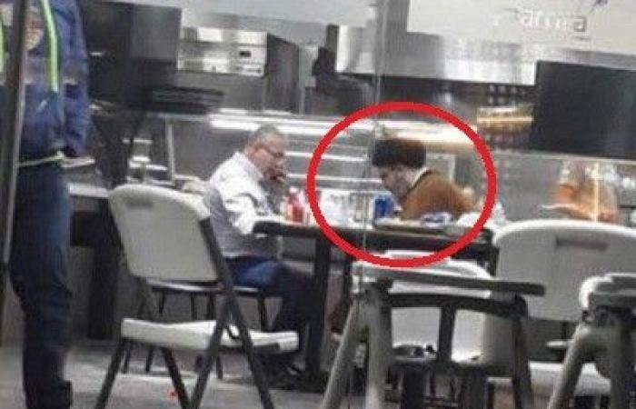 ما حقيقة صورة نصرالله في أحد المطاعم؟