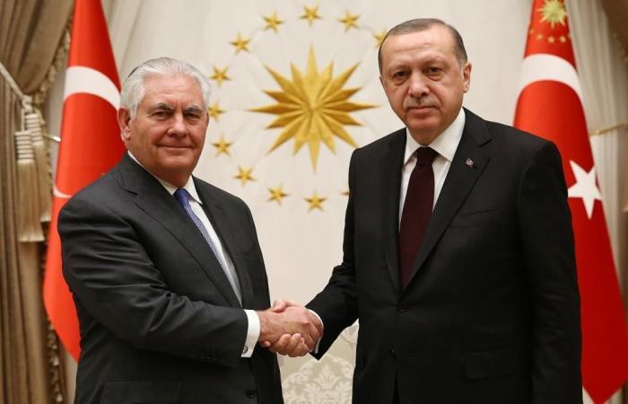 """تيلرسون في """"مهمة صعبة"""" لتهدئة غضب الأتراك"""