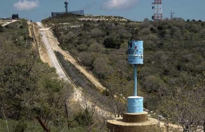 الجيش رسم الخط الأزرق على طول الشريط الحدودي في كفركلا