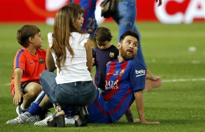 بالصورة: ميسي يقضي الفالنتاين مع أولاده