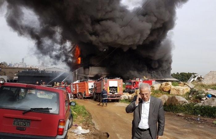 النيران ما زالت مستعرة في معمل الزيوت بالمكلّس