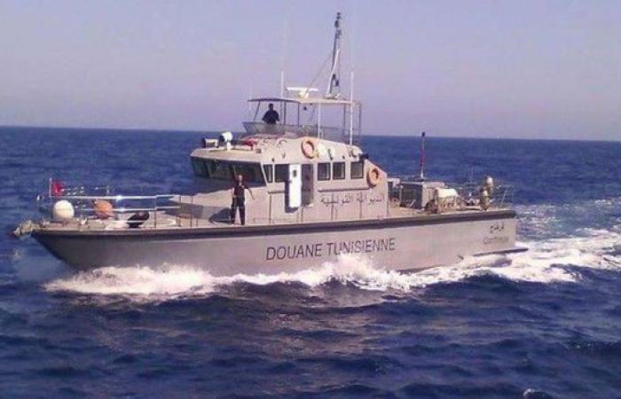 تونس.. ضبط معدات عسكرية داخل سفينة قبالة صفاقس