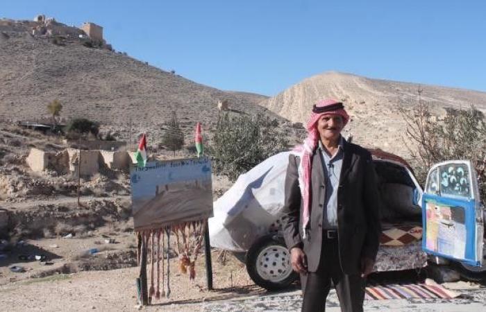 السيارة الفندق: تجربة أردنية تجذب السياح