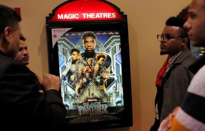 """""""بلاك بانثر"""" يتصدر إيرادات السينما"""