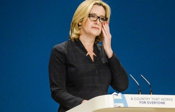 وزيرة الداخلية البريطانية في بيروت