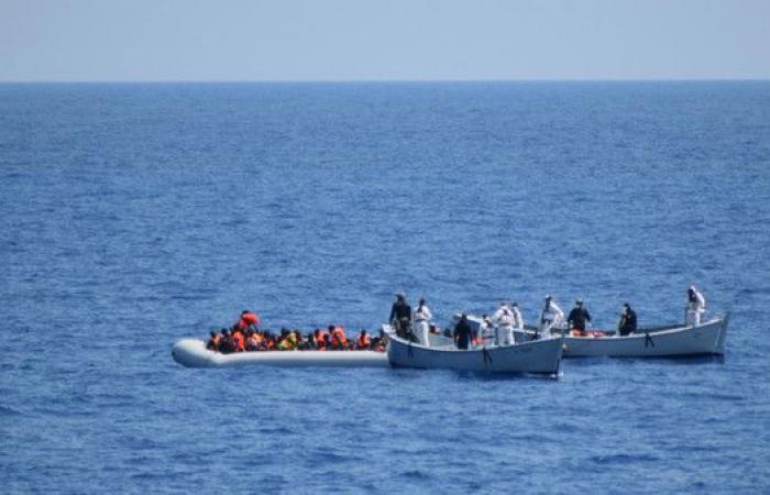 إنقاذ 48 مهاجراً من الغرق قبالة السواحل التونسية