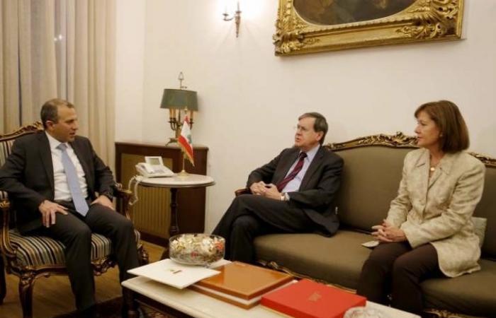 قائد الجيش أكد لساترفيلد التمسك بسيادة لبنان بحضور ريتشارد
