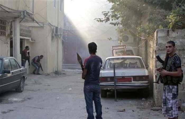 بالصور: توزيع مناشير على ابناء مخيم البداوي.. ماذا تتضمن؟!