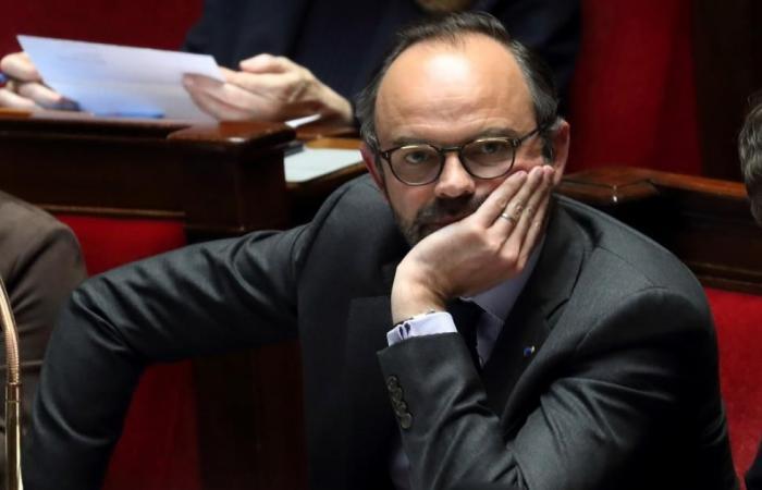 """فرنسا تلاحق """"التطرف"""" بالمدارس والسجون والإنترنت"""