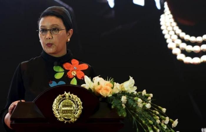 وزيرة خارجية إندونيسيا تصل إلى بيروت