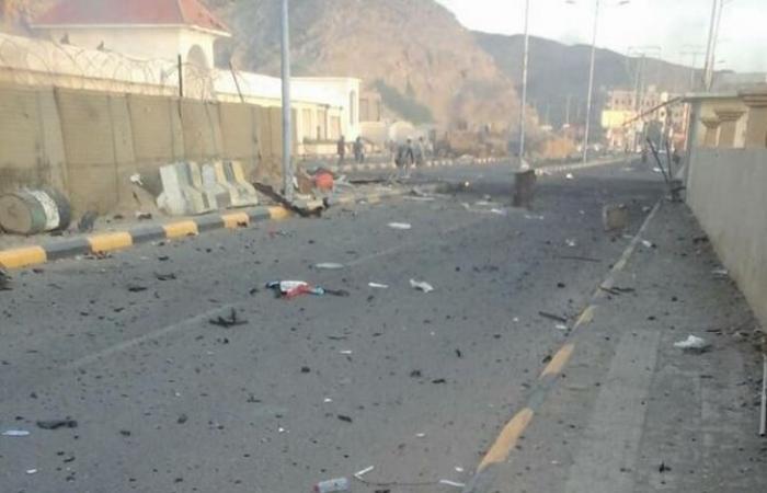 قتلى وجرحى بتفجيرين انتحاريين في عدن.. وداعش يتبنى