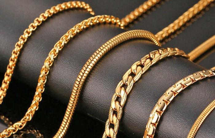 بالأرقام.. كم غراماً من الذهب تستطيع أن تشتري براتبك؟