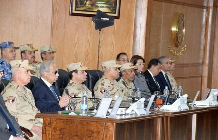 السيسي بالزي العسكري في مقر قيادة قوات عملية سيناء 2018