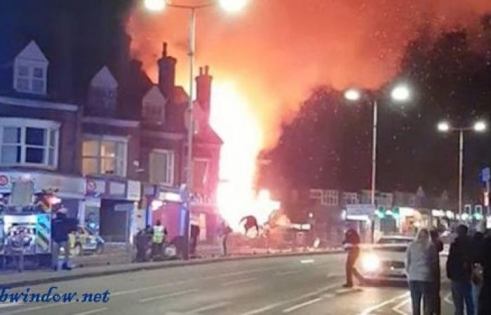 بالفيديو والصور.. إنفجار ضخم يهزّ بريطانيا