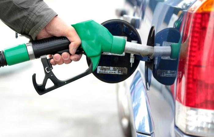 انخفاض سعر البنزين 400 ليرة