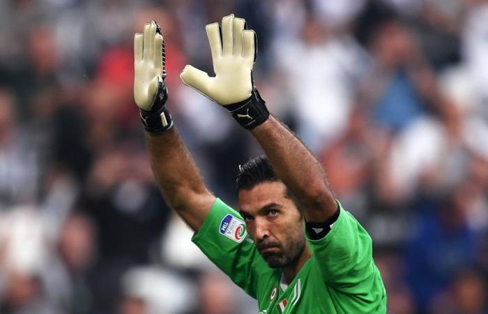 مفاجأة لعشاق المنتخب الإيطالي.. بوفون يريد العودة إلى المنتخب