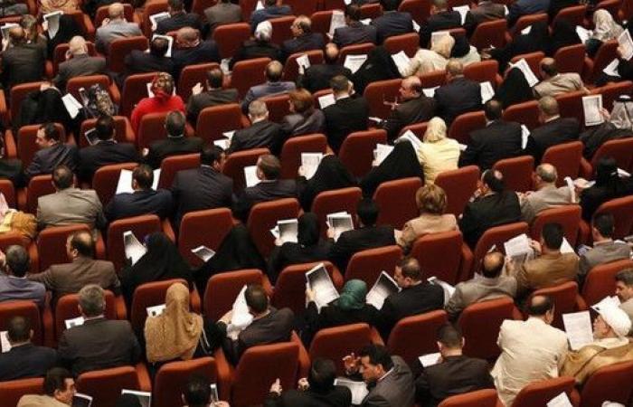 برلمان العراق يدعو لوضع جدول لمغادرة القوات الأجنبية