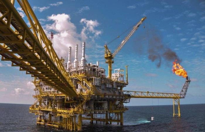 النفط يرتفع مع تعافي بورصة وول ستريت