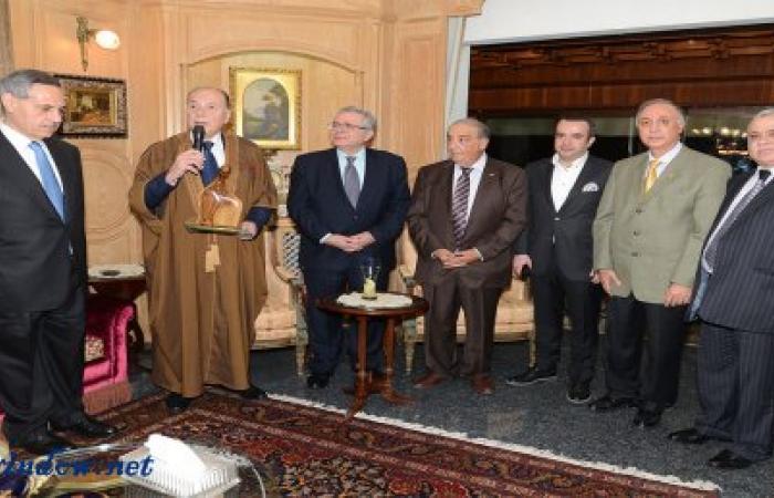 الرئيس كمال الرفاعي يكرم الرئيس توفيق دبوسي في بيروت
