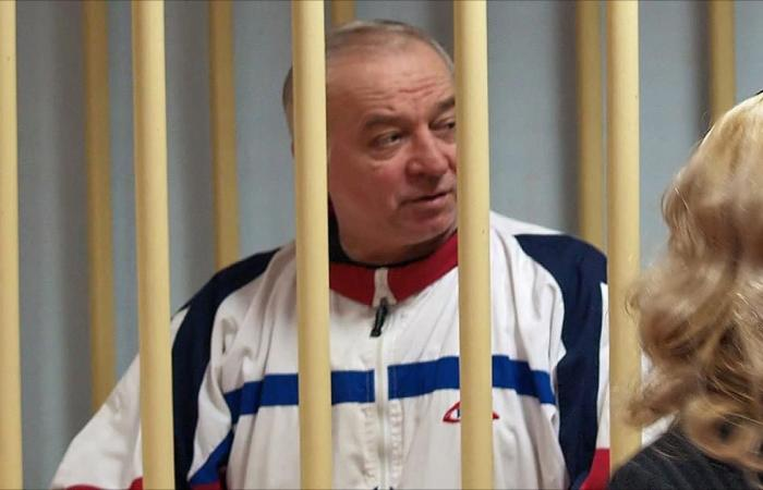 هل سممت موسكو عميلها السابق ببريطانيا؟