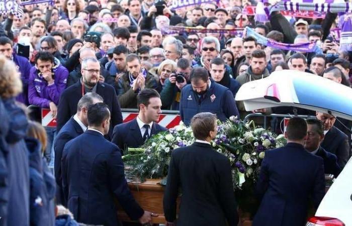 """بالصور: جنازة """"مهيبة"""" لفقيد الكرة الإيطالية.. وداعاً أستوري"""