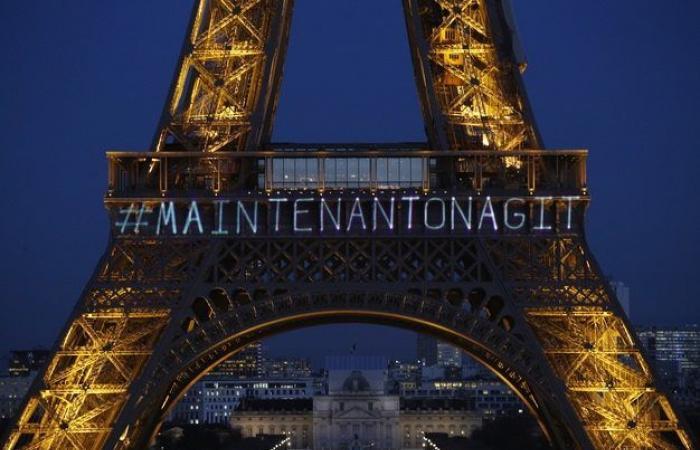 """بالفيديو والصور… برج إيفل يضيء من أجل """"المرأة"""""""