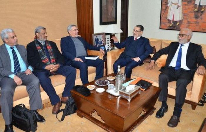 حكومة المغرب تحاور النقابات لإقرار اتفاق اجتماعي جديد
