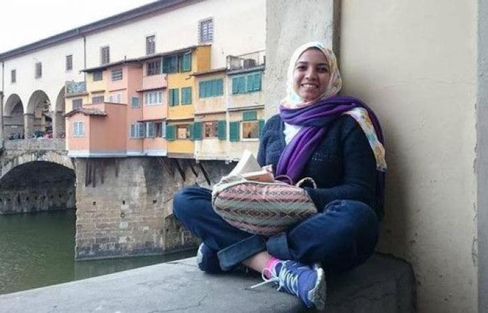 مصرية تقطع 900 كلم على الأقدام للتوعية بمشكلات المرأة