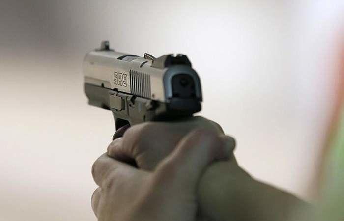 إصابة مواطن بطلق ناري في رأسه في عين بعال - صور