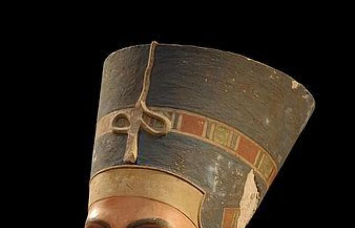 في يوم المرأة.. 11 سيدة جلسن على عرش مصر