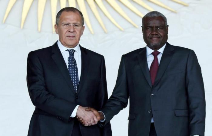 لافروف يلتقي رئيس المفوضية الأفريقية بأديس أبابا