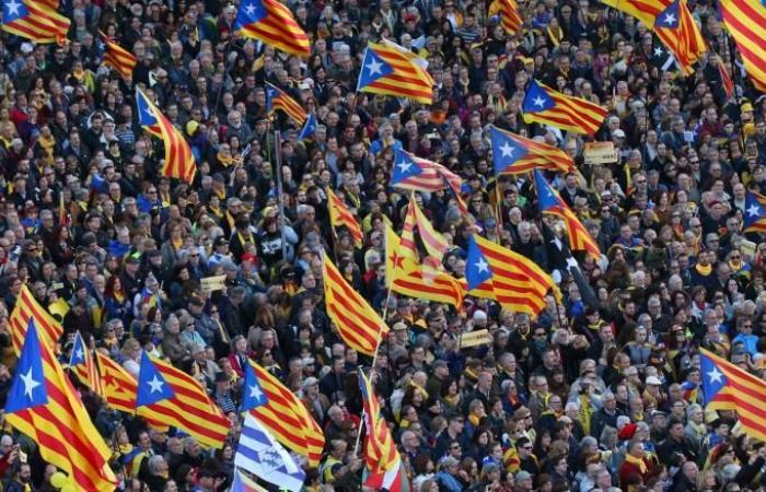 الكتالونيون يلاحقون حلم الانفصال