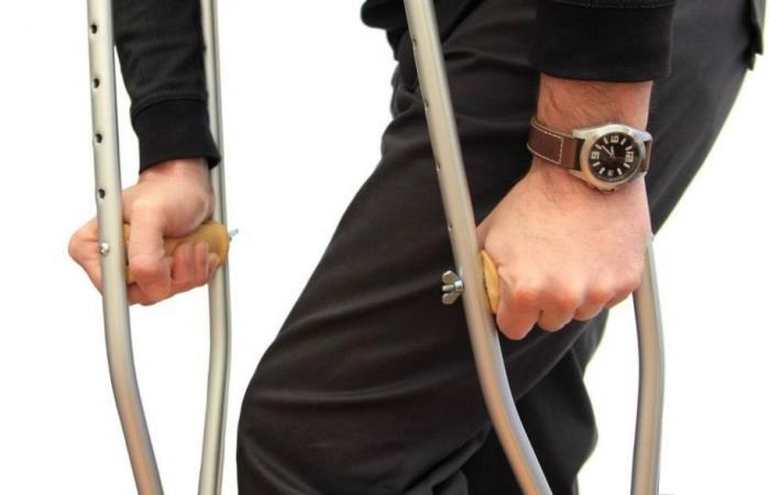 تسبب العصي والعكازات ضمورًا عضليًا، يمكن لهذا الجهاز أن يكون الحل