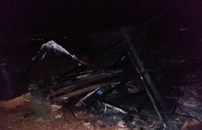الدفاع المدني إخمد حريقاً في خيمة لنازح سوري في بعلبك