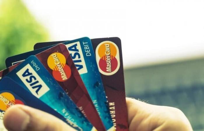 بالفيديو: 10 حقائق عن البطاقات الائتمانية.. بعضها لا يخطر على البال!