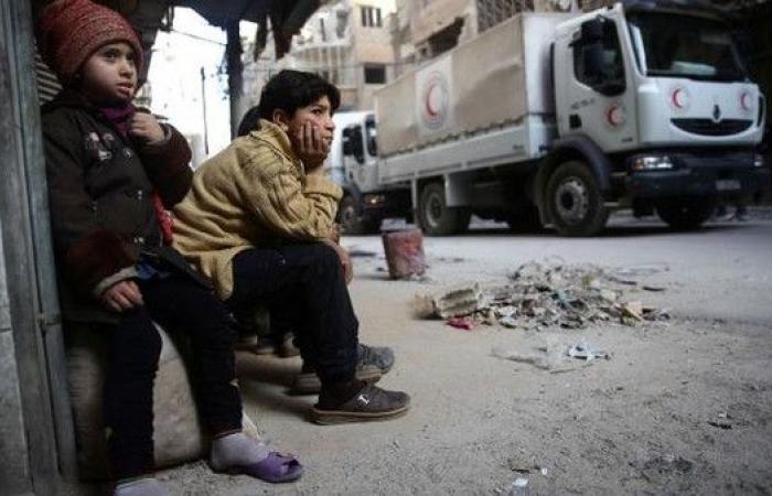 سوريا.. 100 شخص من الحالات الحرجة يغادرون الغوطة